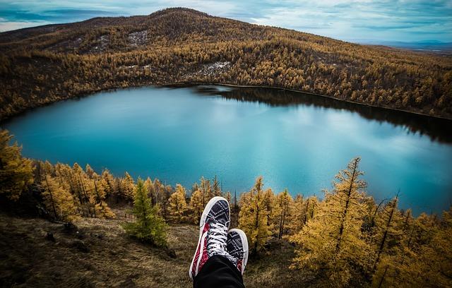 podzim u jezera