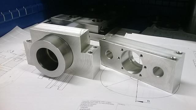 Přesné otvory v kovovýrobku